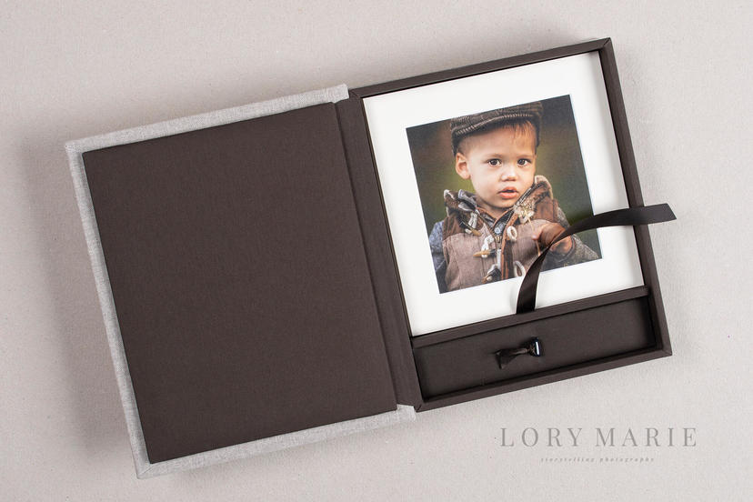 Folio box matted prints board mounted prints professional photographer printing lab nphoto 5 family photography IPS 2