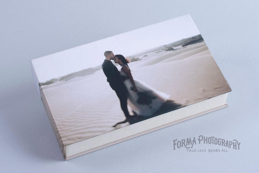 Box for prints for loose prints professional photographer nphoto custom box for prints personalised box for prints with USB stick presentation wedding photograph