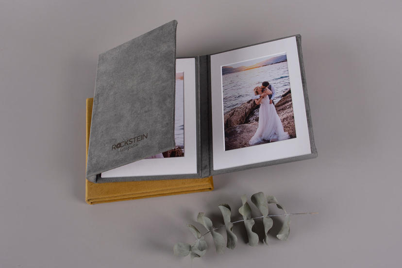 Triplex trifold 3 piece image product wedding centerpiece printed tri-fold nphoto upselling products for wedding photographers passepartout silver grey velvet textile and dijon yellow velvet textile
